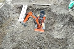 kopání-bazánu-motorovým-rýčem